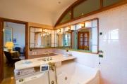 Bath with idromassage tub