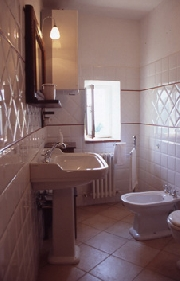 Bathroom of Celli apartment