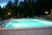 La piscina by night