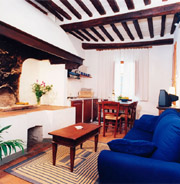 Living room of Il Camino apartment in San Gimignano