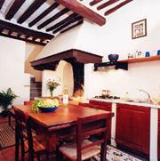 Kitchen of Il Camino apartment in San Gimignano