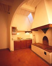Kitchen of Porta San Matteo apartment in San Gimignano