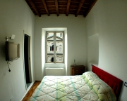 Double room N°3 with view on the square Madonna dei Monti