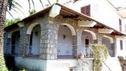 Die Villa von aussen