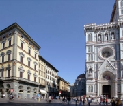 Facade of Palazzo Gamba and the Cathedral of Florence
