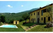 The country house Fiordaliso with its swimming-pool