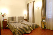 Florence Flat: Bedroom with two single beds of Ghiberti Flat in Florence
