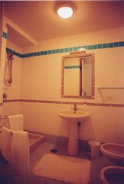 Religiöses Gästehaus in Sorrent: Beispiel eines Badezimmers des Religiösen Gästehaus La Culla in Sorrent