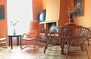 Rom Ferienwohnung: Wohnzimmer mit Tisch der Ferienwohnung Filiberto