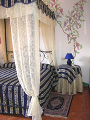 Ferienwohnung in Montepulciano: Doppelschlafzimmer Il Glicine bei Villa Manzinaie in Montepulciano
