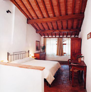 Double bedroom of Il Camino apartment in San Gimignano