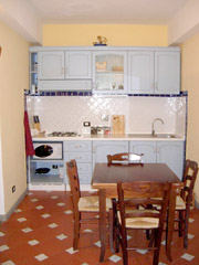 Apartment in Florence: Kitchen with table of Donato Apartment in Florence