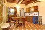 Suite Florenz Toskana: Esszimmer mit Küche der Suite Uccello in Florenz