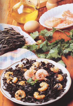 BLACK TAGLIATELLE WITH KING PRAWNS - Pasta - Speciality From Campania